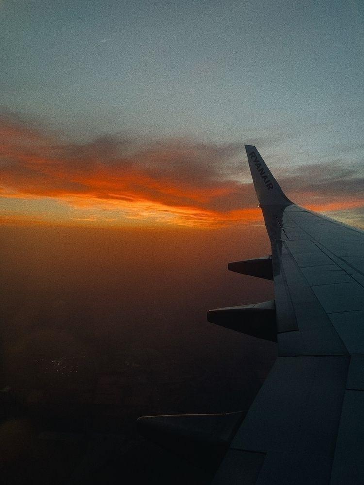 Scarlet skyline :round_pushpin - lauemr | ello