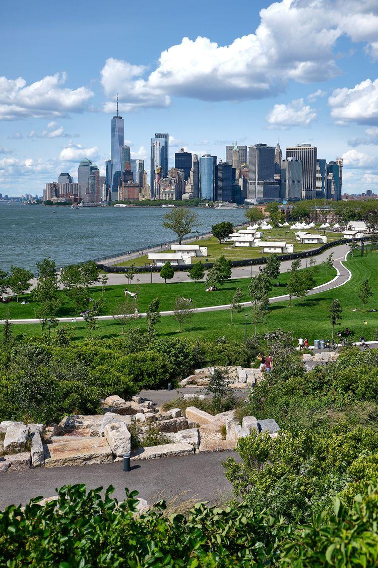 Manhattan skyline Island, York  - allunderheaven | ello