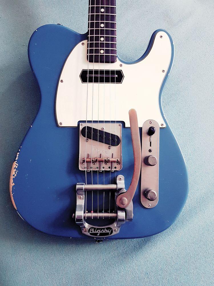 give tone blue? Chosen guitar p - freijavanduijne | ello