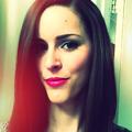 Courtney Bush (@skullandthread) Avatar