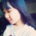 Bùi Ngọc Uyên Ly (@uyenly_vintage) Avatar