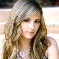 Mayra Servellon (@bestcase99) Avatar