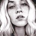 Raquel Lenaé (@theleggyblonde) Avatar