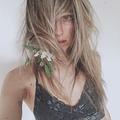 Naomi Alessandra (@naomialessandra) Avatar