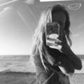April McMullen (@aprilkm) Avatar