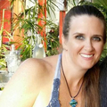 Tania Hodder (@touchofaloha) Avatar
