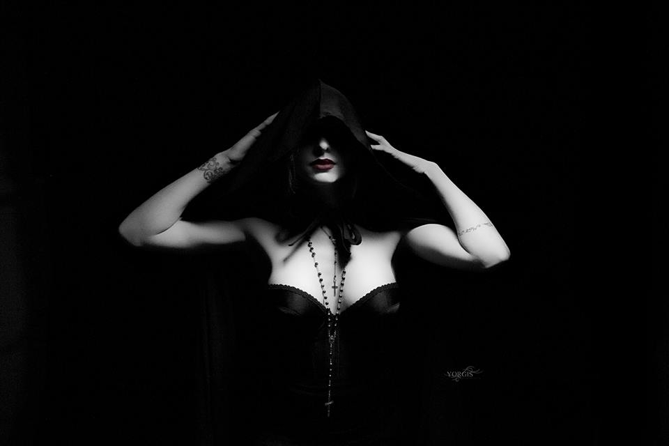 Zara Raposa (@foxbake) Cover Image