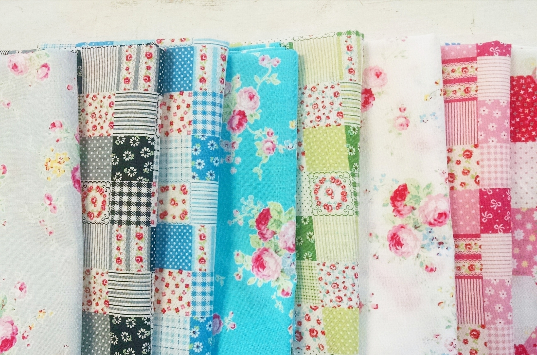 Cassie Putney (@sewstitchinghappy) Cover Image