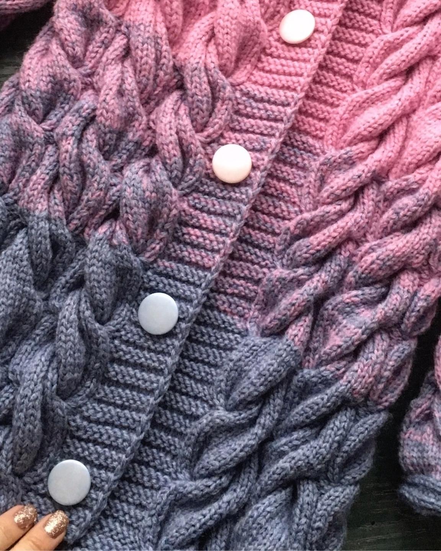Knittiana (@knittiana) Cover Image