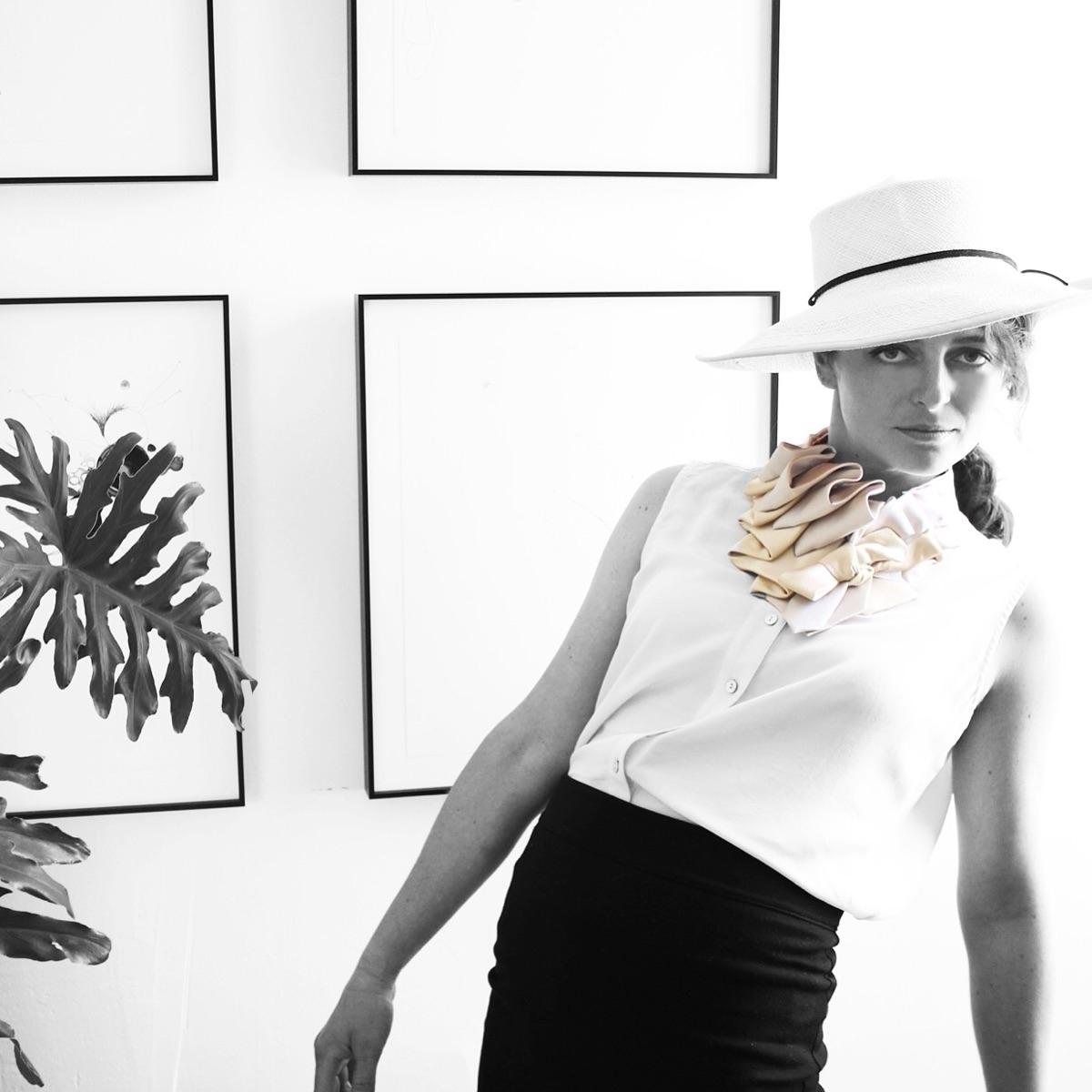 Nicole Deponte (@lilianasterfield) Cover Image
