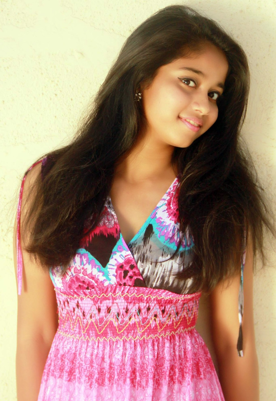 Kanika Dahia (@kanikadahia) Cover Image