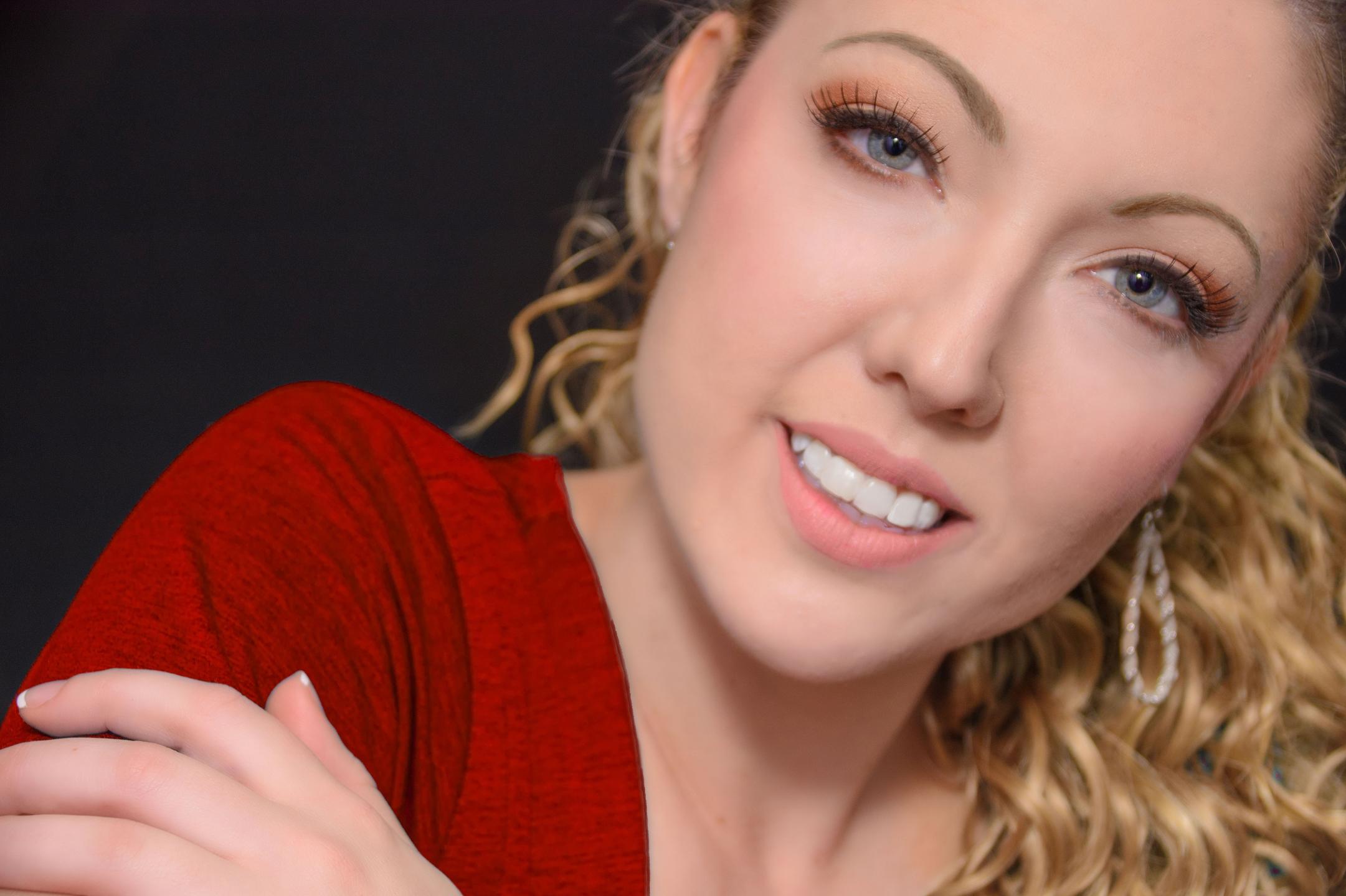 Carol Linnee (@carolinnee) Cover Image