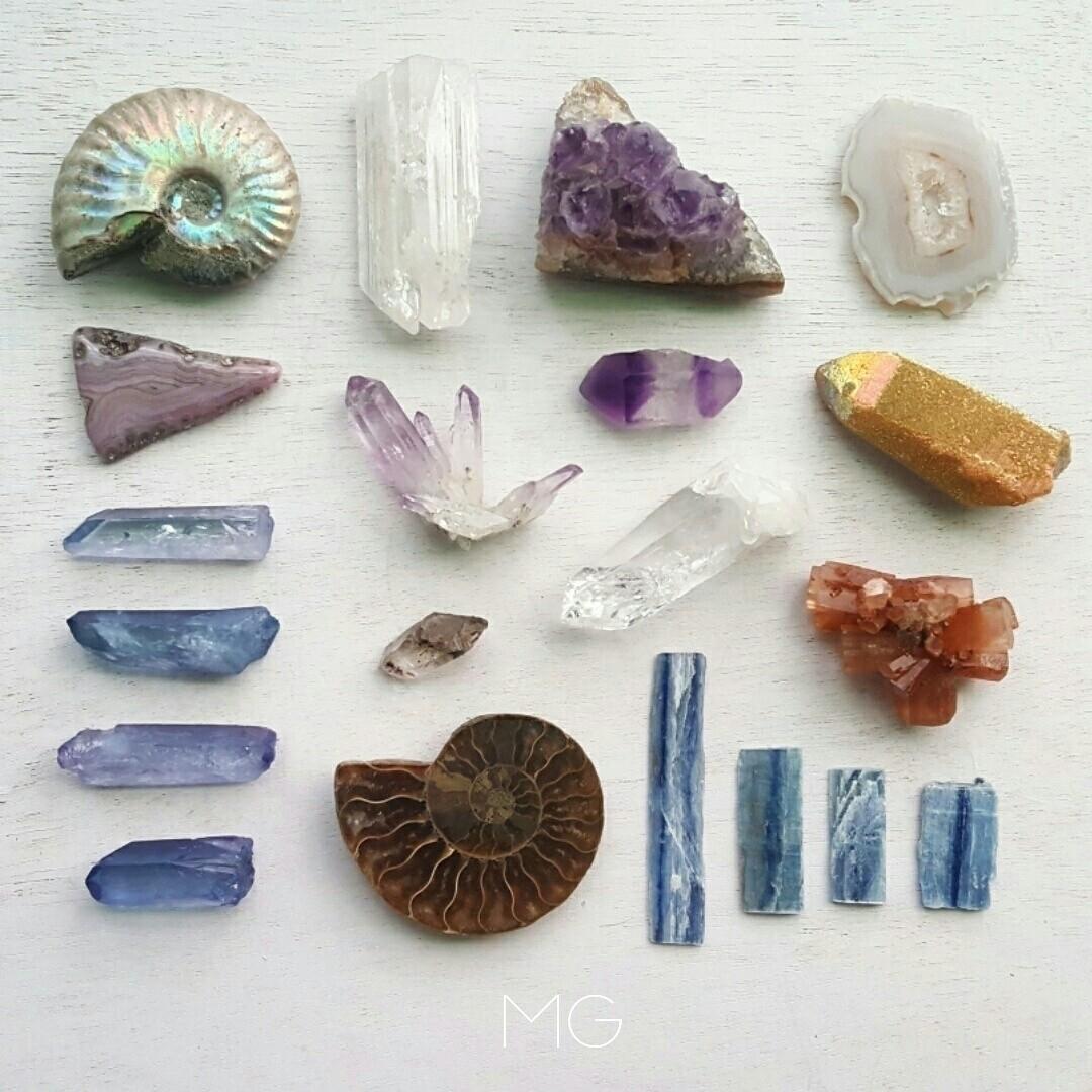 Lauren  (@mineralgypsy) Cover Image