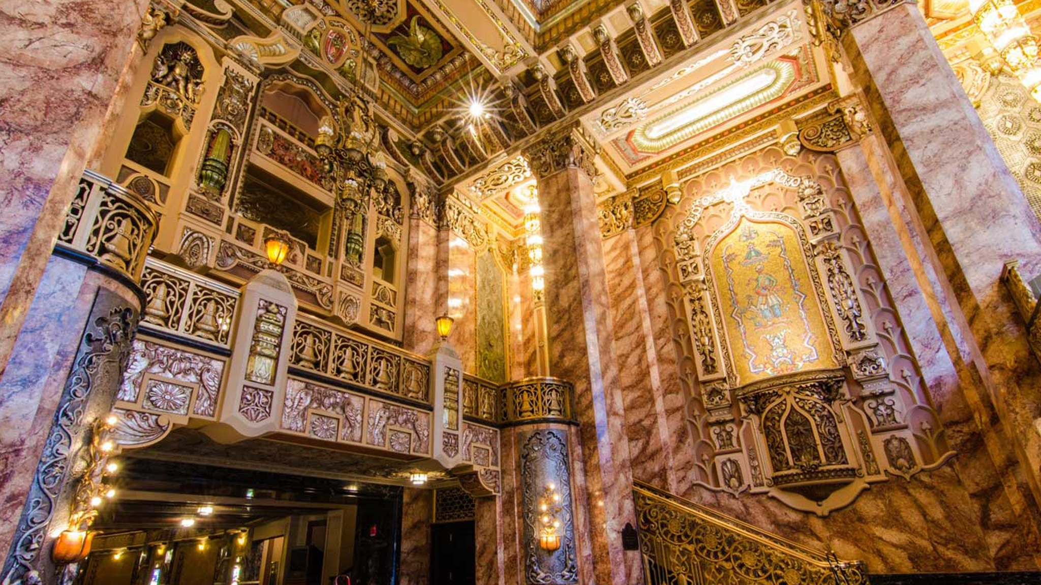 Oriental Theatre Chicago (@orientalchicago) Cover Image