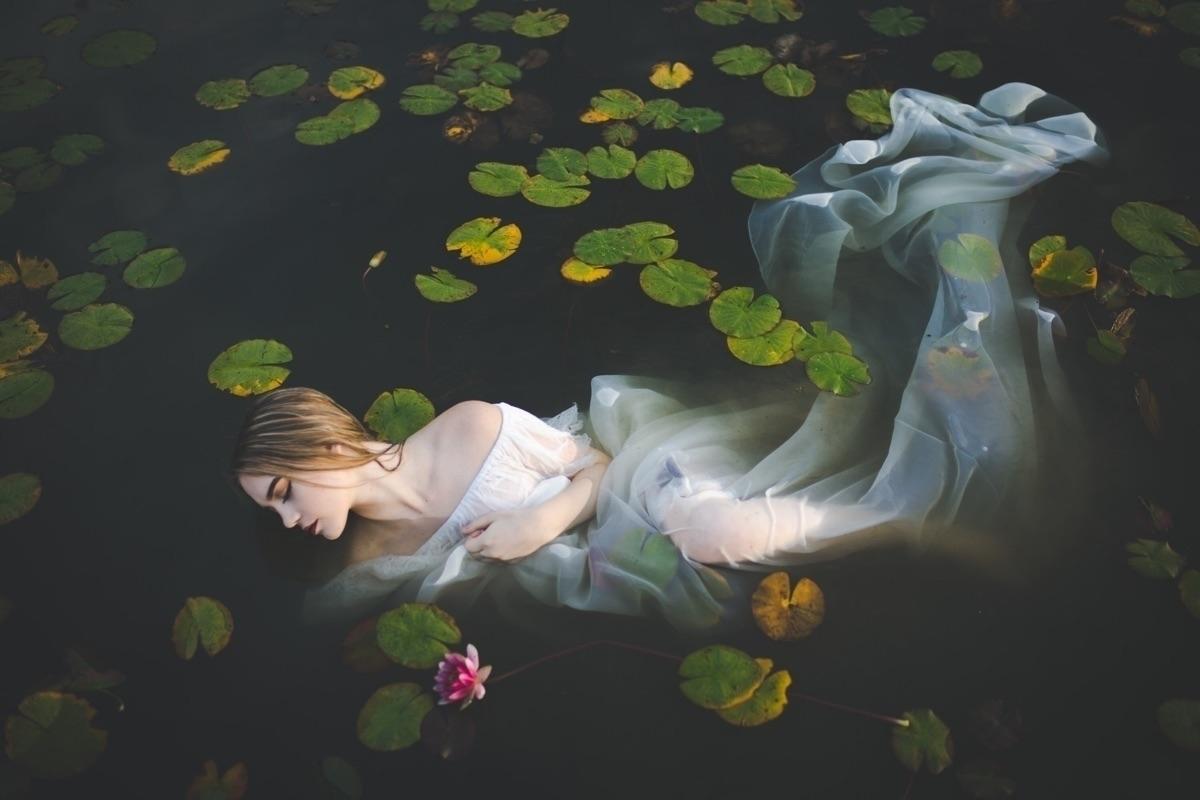 Irina  (@irinakolyadich) Cover Image