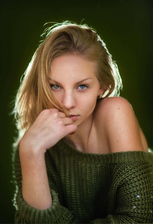 Daniela  (@lbdaniela) Cover Image