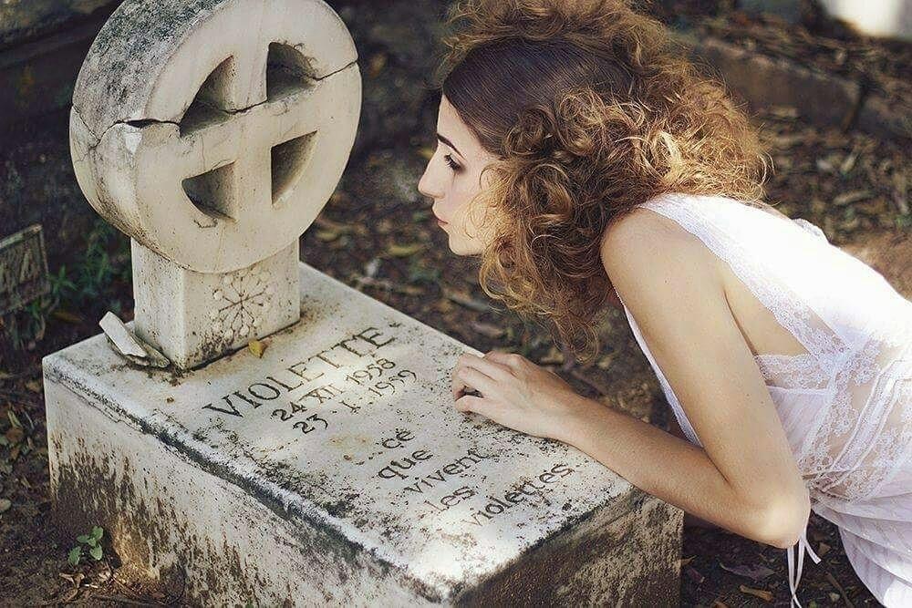Victoria Vil (@victoriavilla) Cover Image