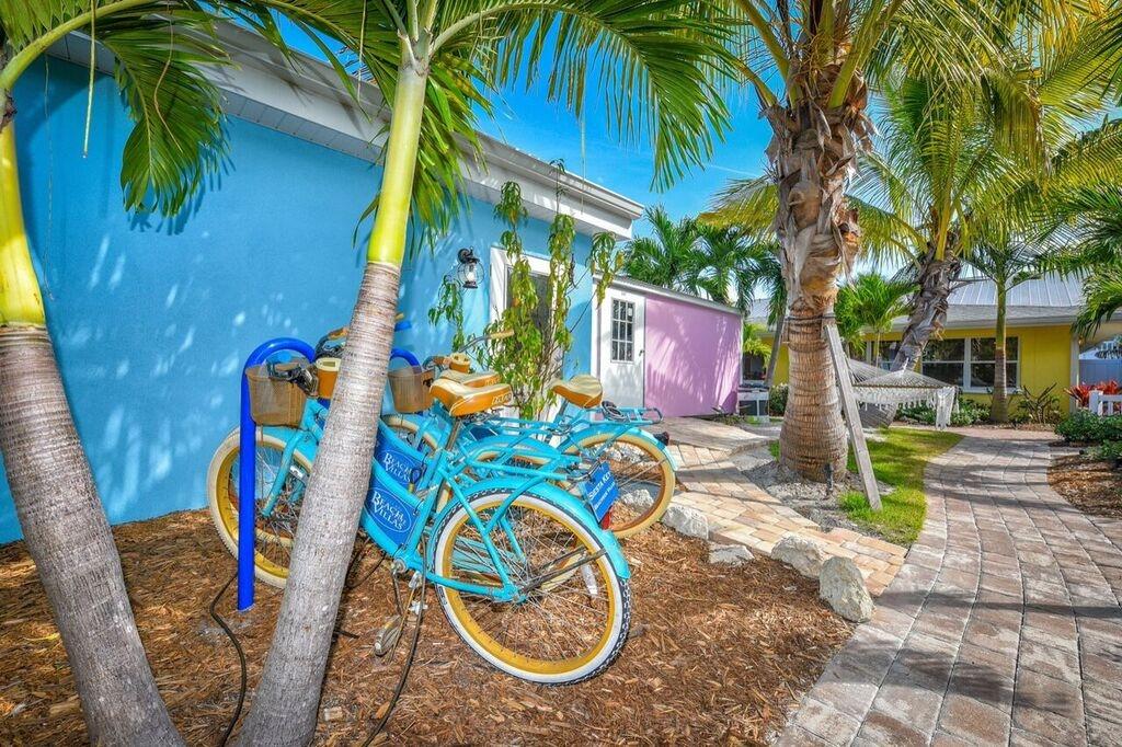 Siesta Key Beachside Villas (@siestakeybeach) Cover Image