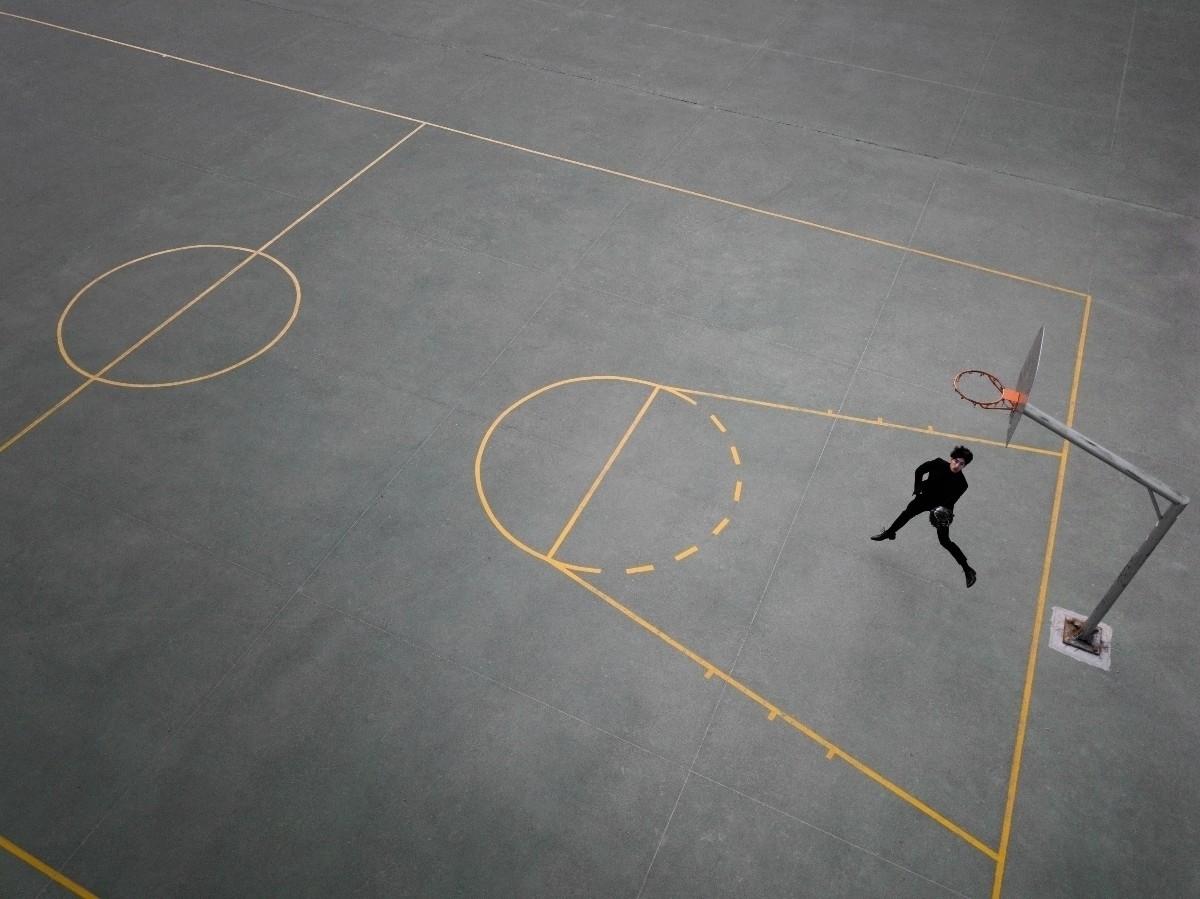 Hoops Outside (@hoopsoutside) Cover Image