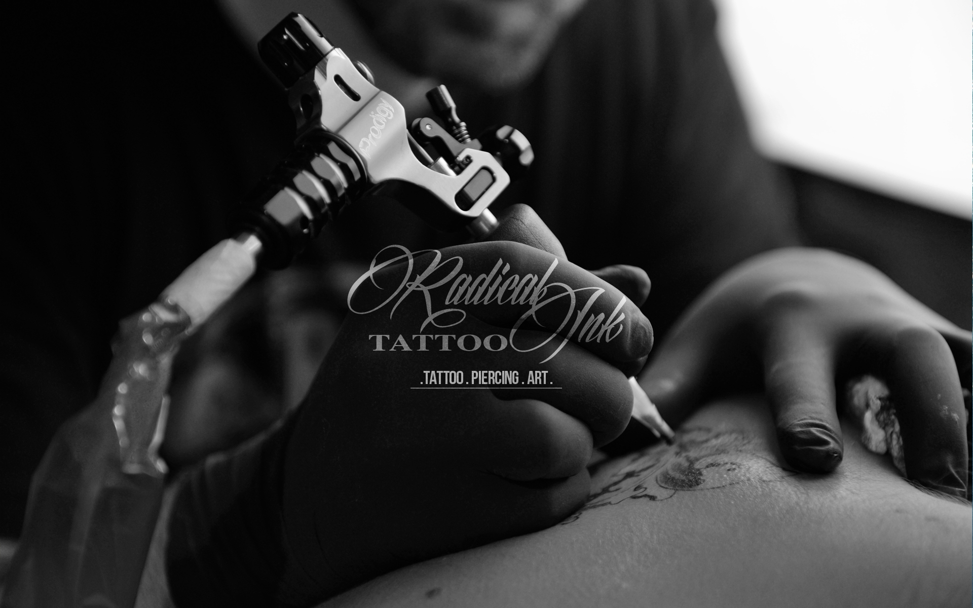 Radical Ink (@salontattoo) Cover Image