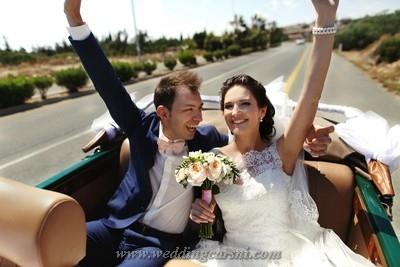Wedding Cars UAE (@weddingcarsuae) Cover Image