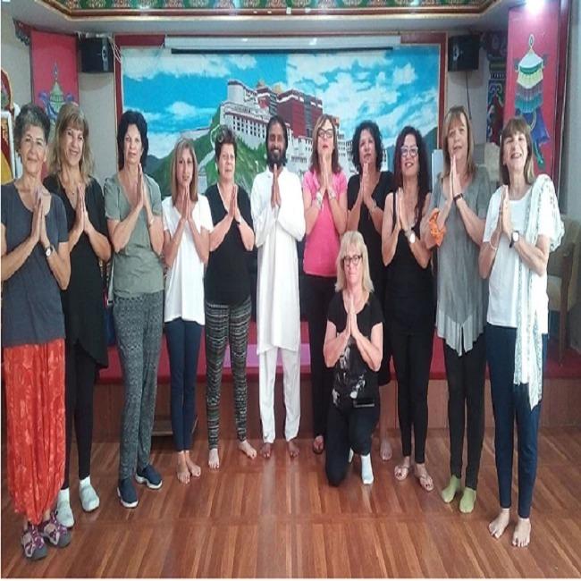 Himalayan Yoga Ashram (@himalayanashram) Cover Image