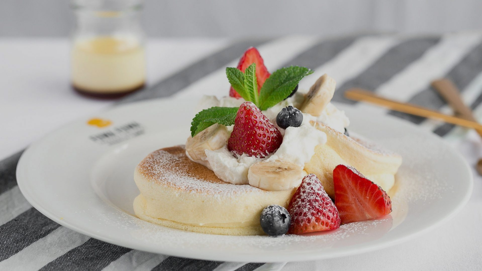 Fuwa Fuwa Japanese Pancakes (@fuwafuwapancakes) Cover Image
