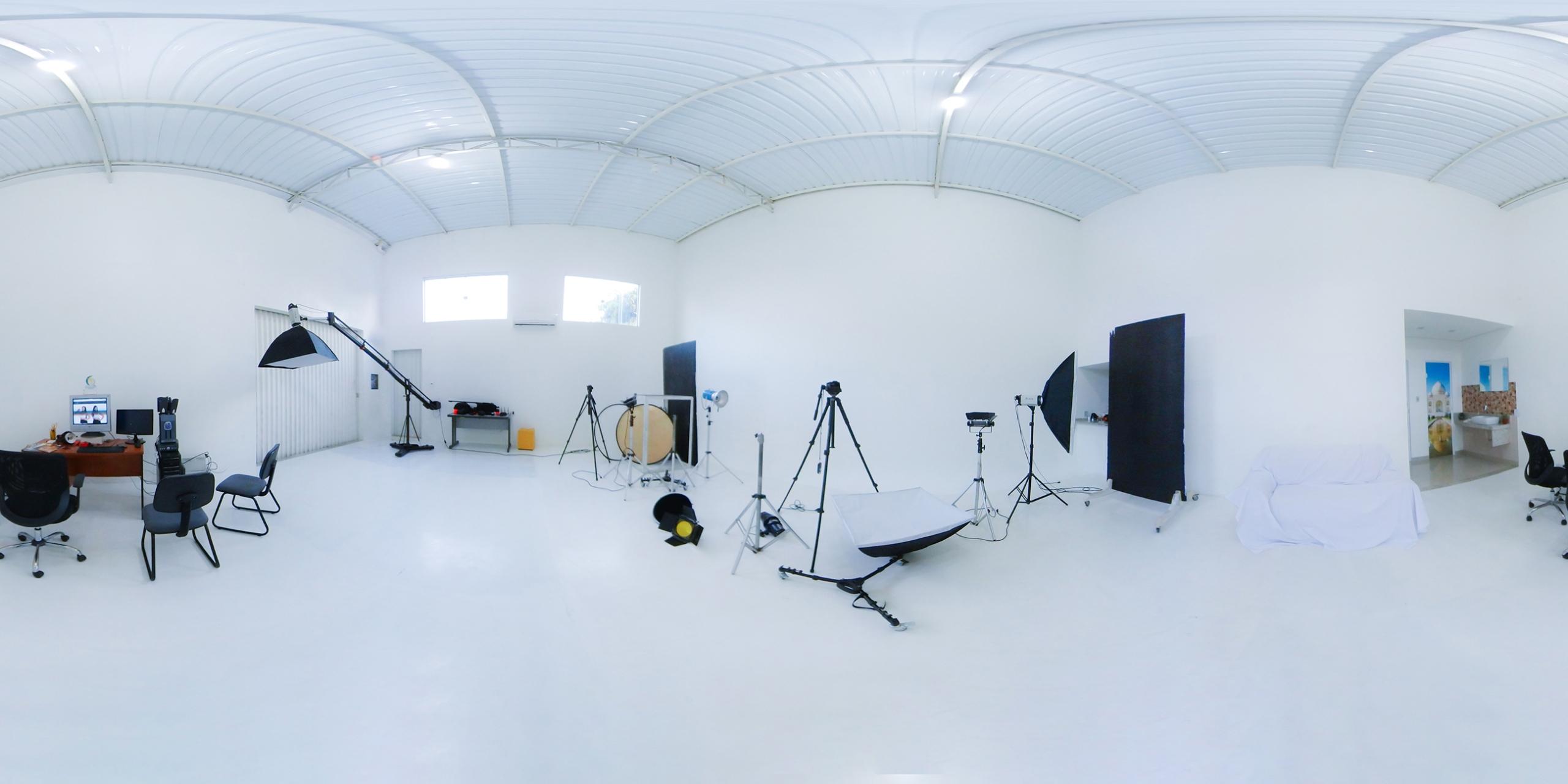 BenHur Studio (@benhurstudio) Cover Image