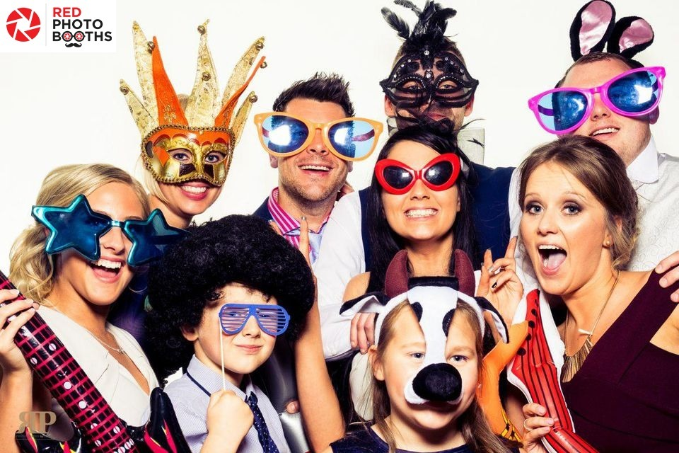 Red Photo Booths (@redphotobooths) Cover Image