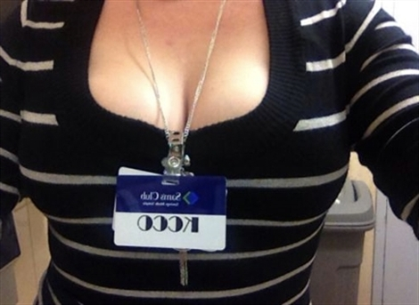 Debbie Qom (@debbie_qom) Cover Image