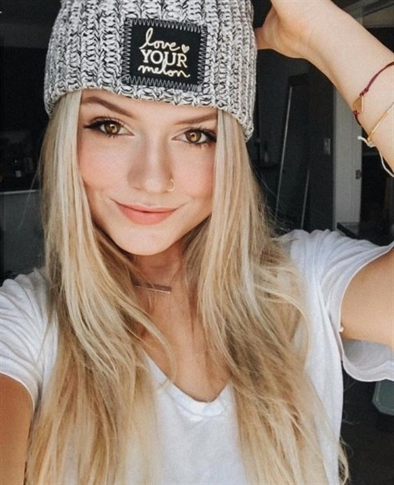 Sabrina Ukraine (@sabrina_ukraine) Cover Image