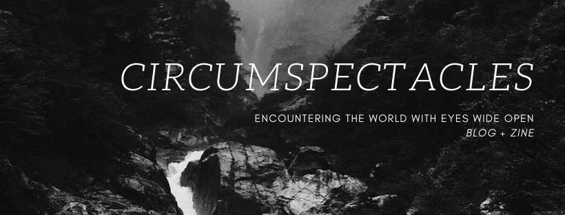 Emily (@emilyatcircumspectacles) Cover Image