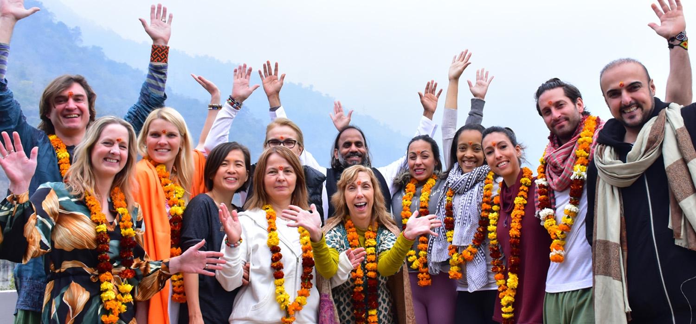 Yoga Essence Aashra (@yogaessenceaashram) Cover Image