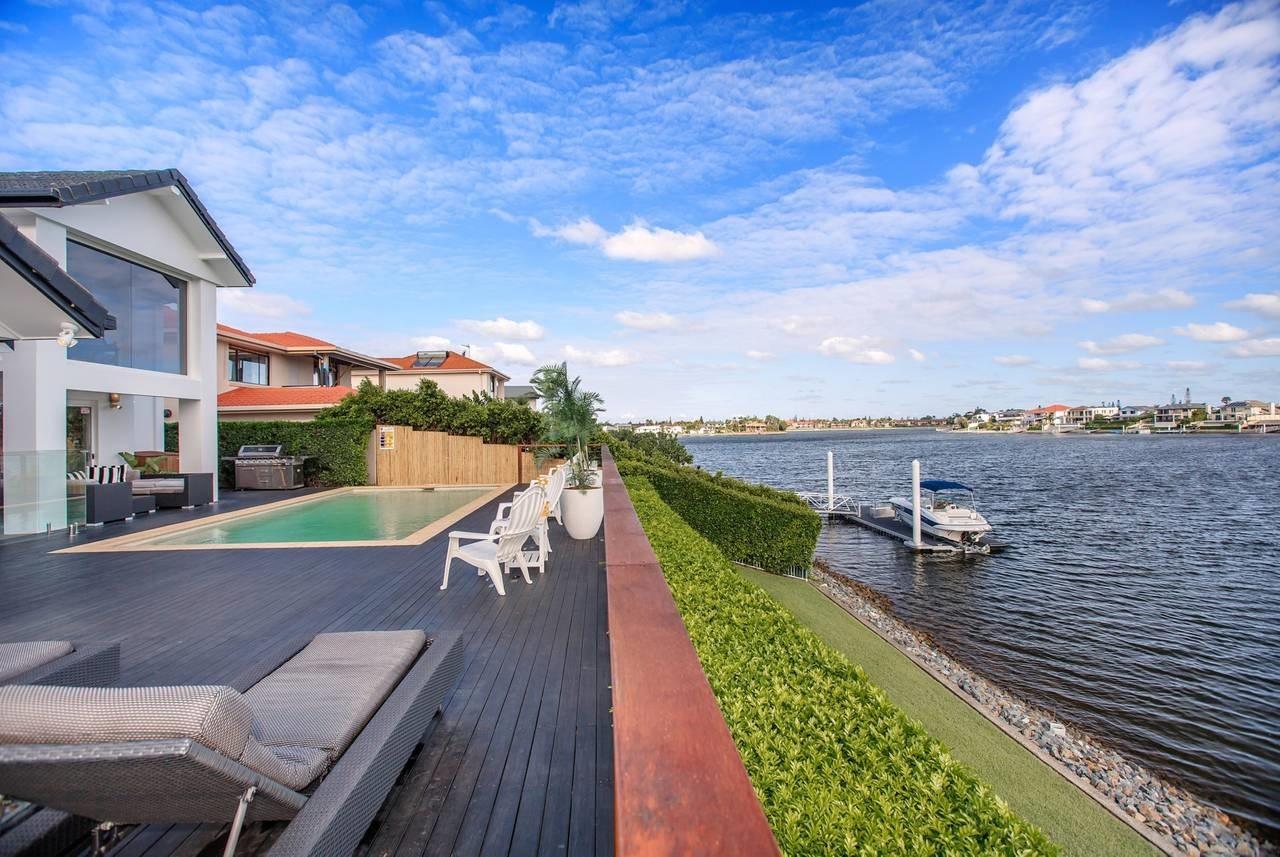 Luxury Holidays Pty Ltd (@luxuryholidaysaustralia) Cover Image