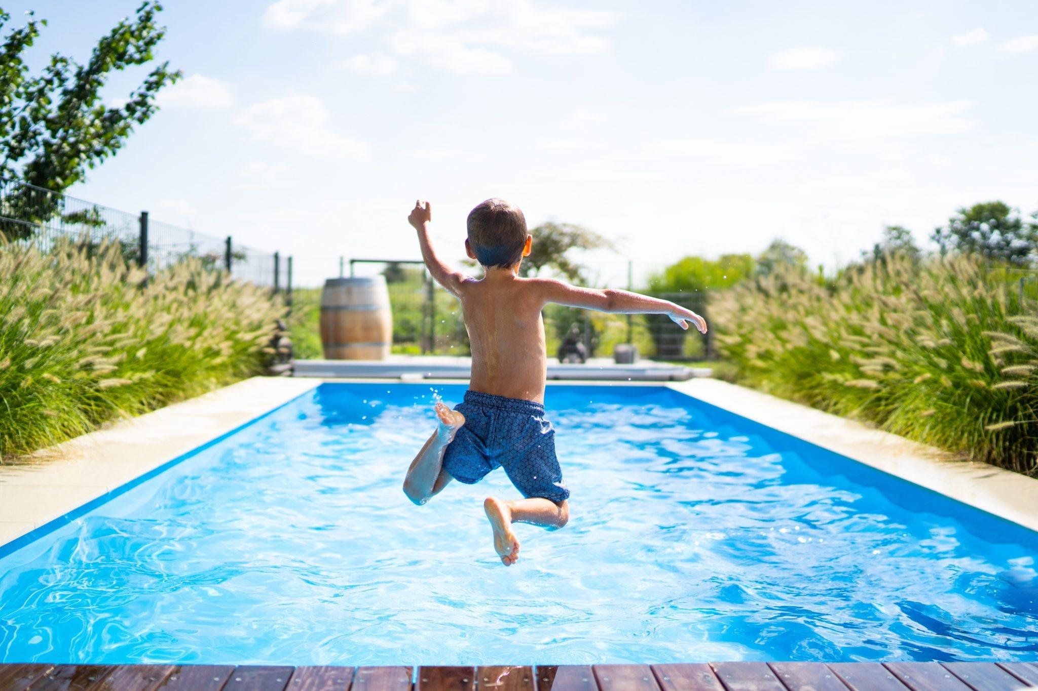 Blue Pools and Spas (@bluepoolsandspas) Cover Image