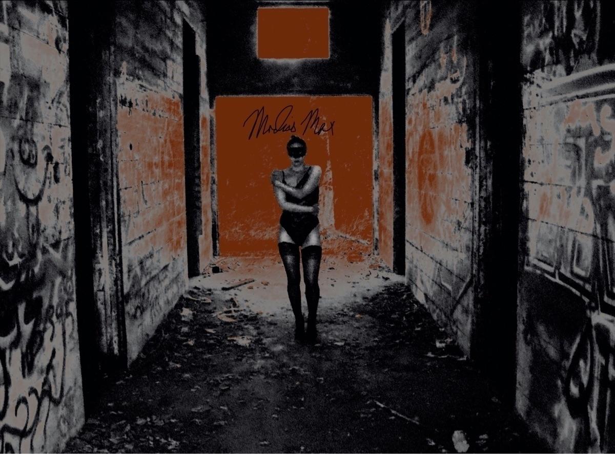 Modiasmax (@modias_max) Cover Image