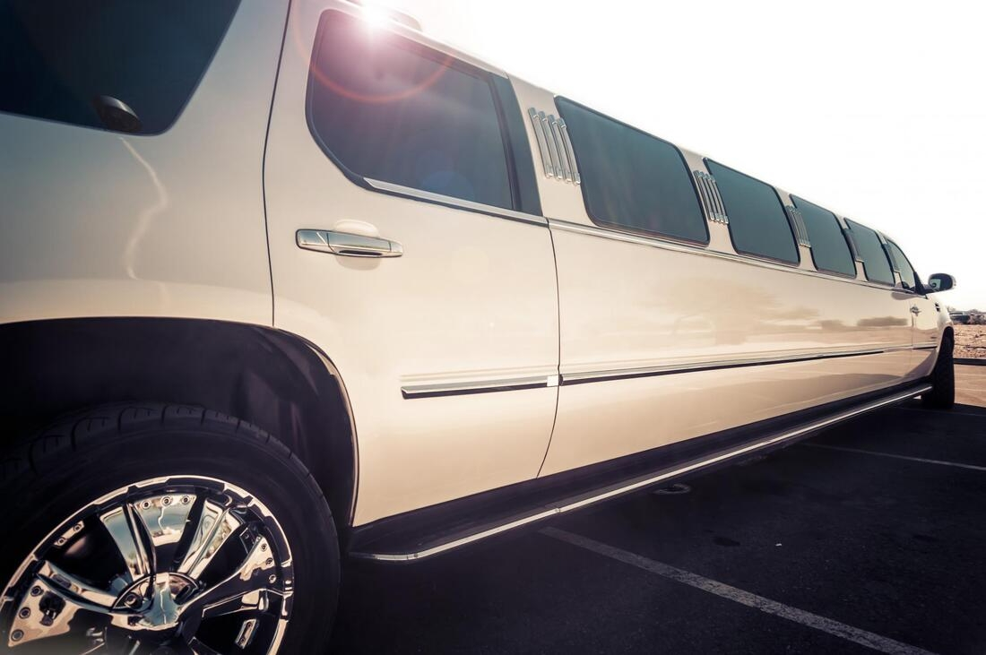 Limo Hire Leicester (@limohireleicester) Cover Image