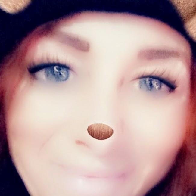 Debbie  (@greeneyes75) Cover Image