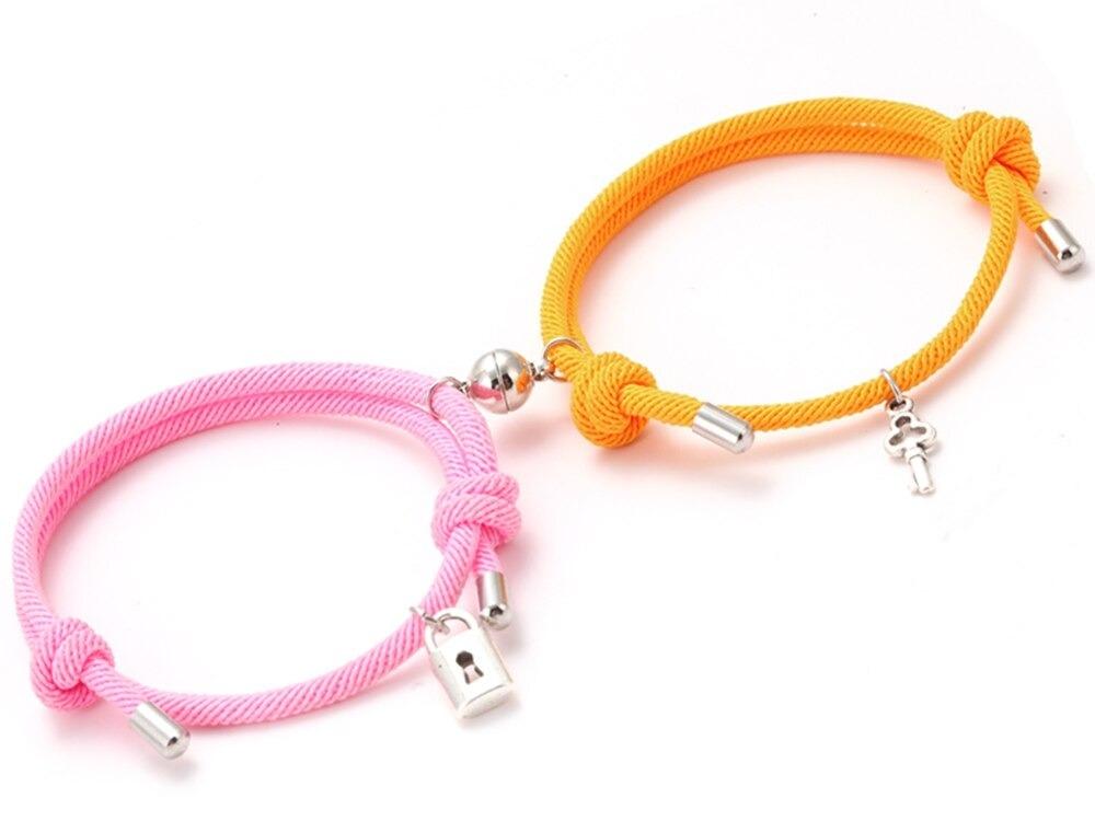 Bracelet  (@braceletcouple) Cover Image